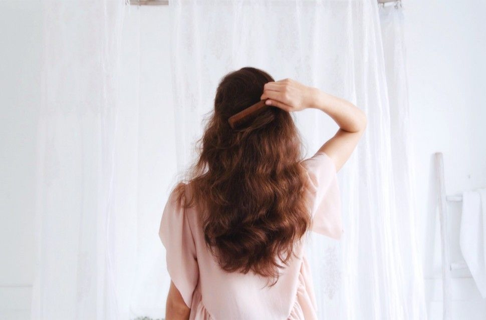 Lavar o cabelo com champô sólido é fácil e amigo do ambiente!