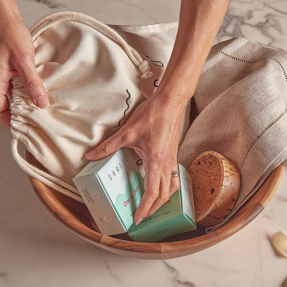 2x One & Done 115 gr + Porte-savon Seashell + Sac à Porter Carry on Pure Bag