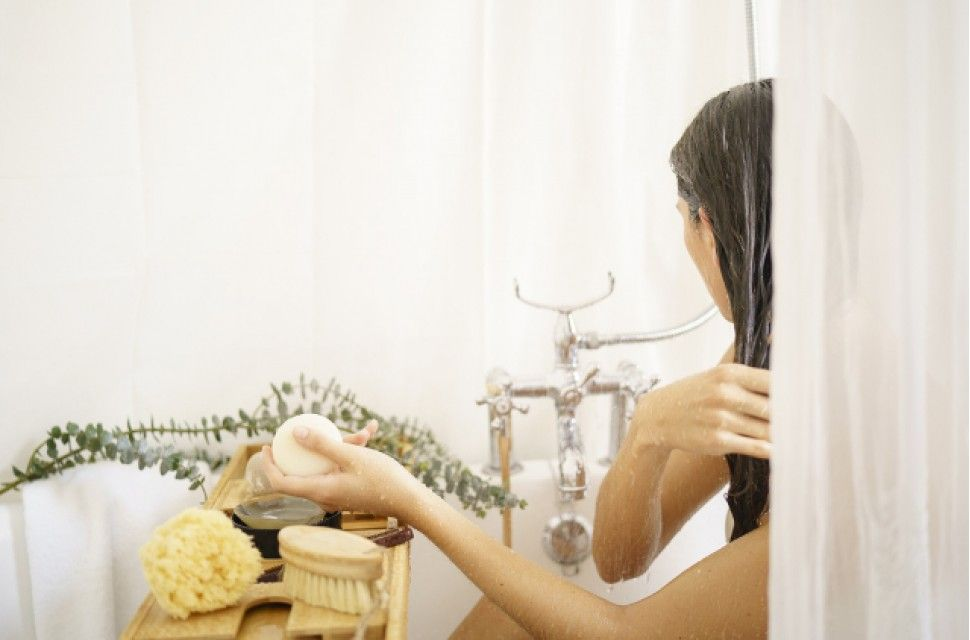 Does shampoo without sulphates remove oils and silicone from hair?